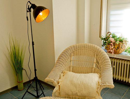 upcycling Projekt: aus einer alten Fotolampe wird eine schöne Designlampe